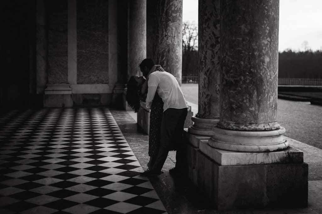 couple au grand trianon noir et blanc