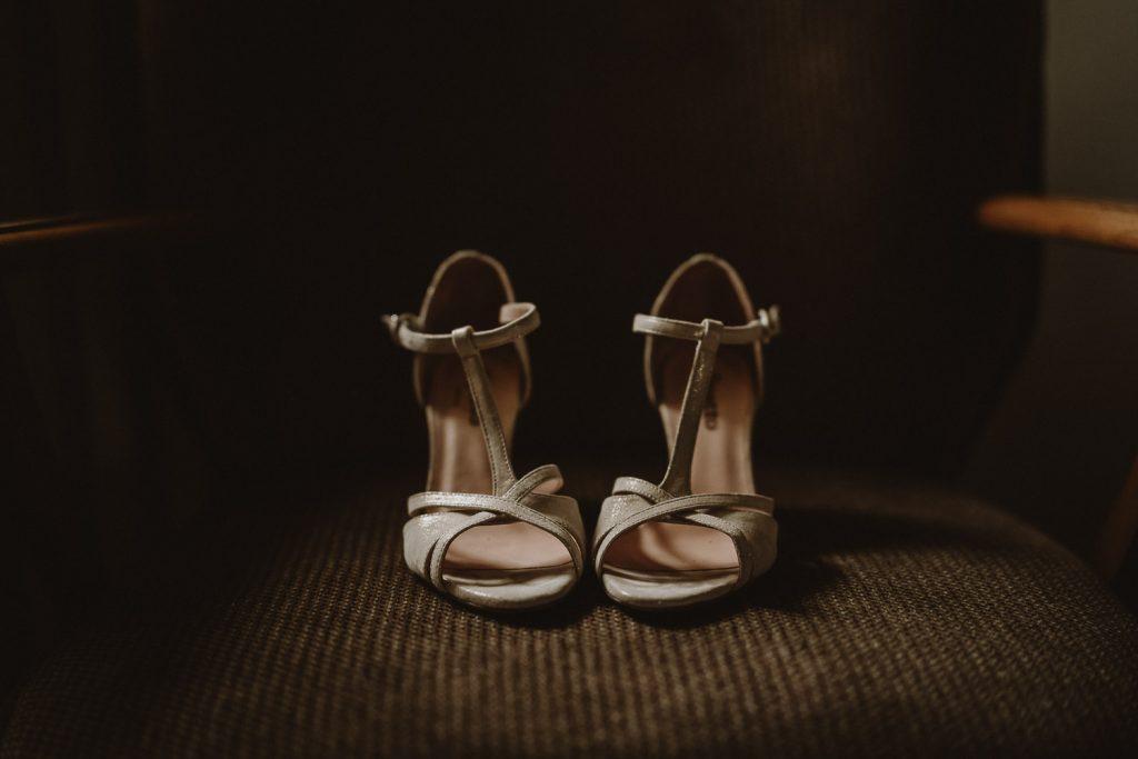 chaussures répetto de la mariée par samantha guillon photographe de mariage en ile de france