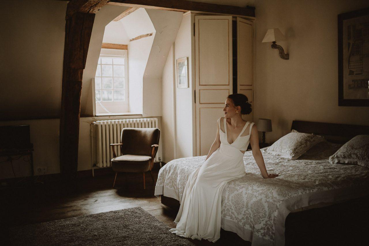 portrait de la mariée mariage automnal au domaine du chateau de verderonne par samantha guillon photographe de mariage