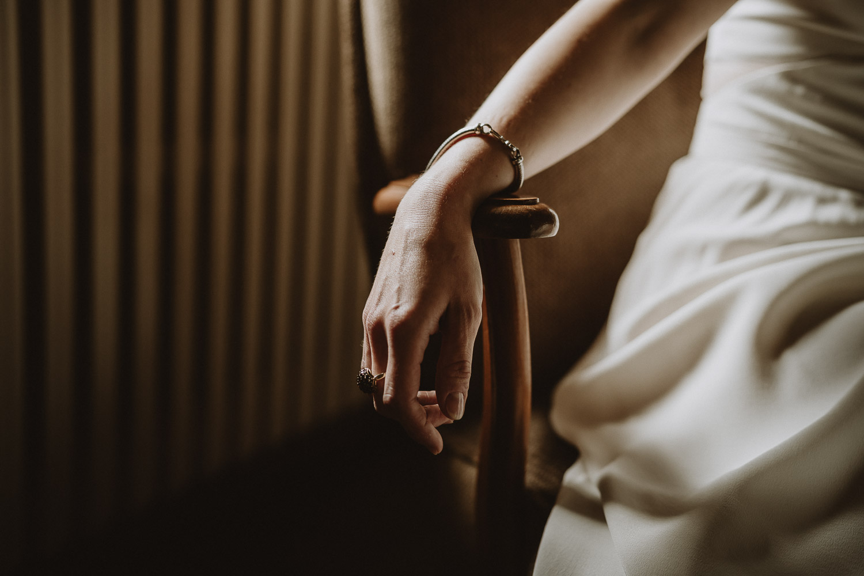 portrait de la mariée par samantha guillon photographe de mariage en ile de france