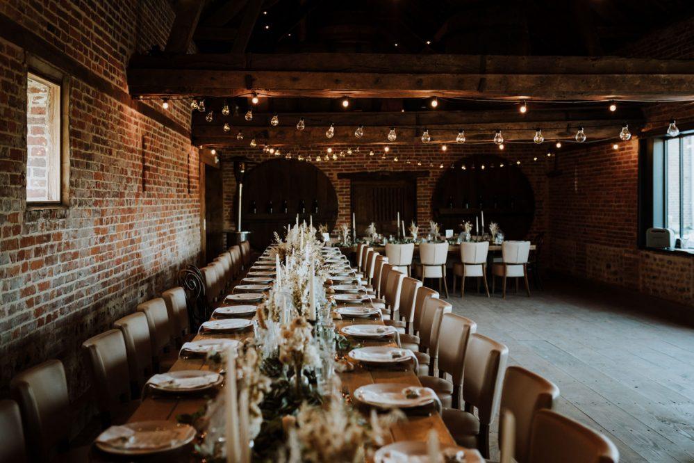 décoration tables banquets pour un mariage en comité restreint par samantha guillon photographe de mariage intimiste à clamart