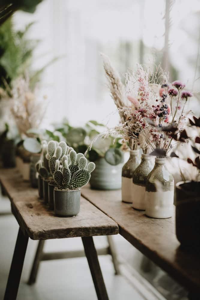 illustration vitrine artisan fleuriste lors du reportage aux petites pensées à sceaux par samantha guillon photographe à clamart